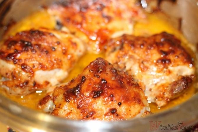 Курица с горчицей и майонезом на сковороде