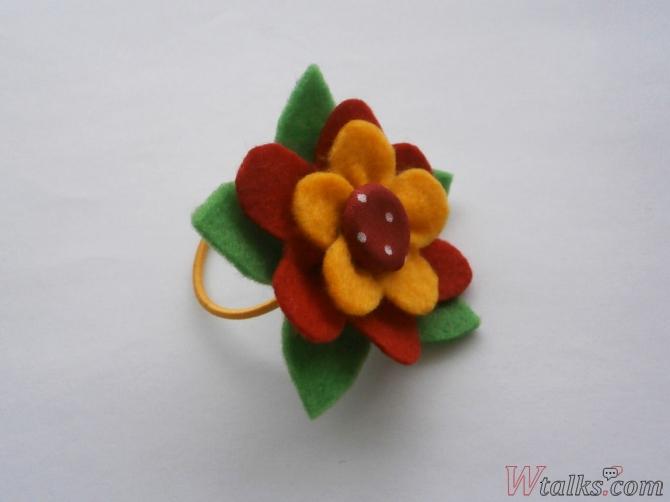 Резиночка для волос «Яркий цветок» шаг 14