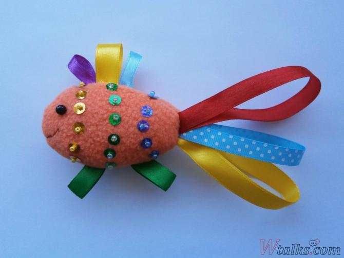 Декоративная игрушка «Золотая рыбка» шаг 9