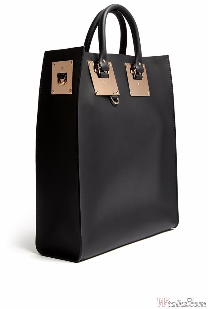 35f1d70170a7 Характерная черта – изогнутая форма, напоминающая полумесяц. Сумка Хобо  шьется из мягких материалов (мягкая кожа или ткань), не сохраняющих форму  при ...