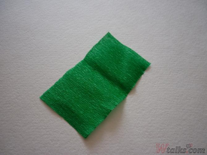 Букет розочек из гофрированной бумаги шаг 12
