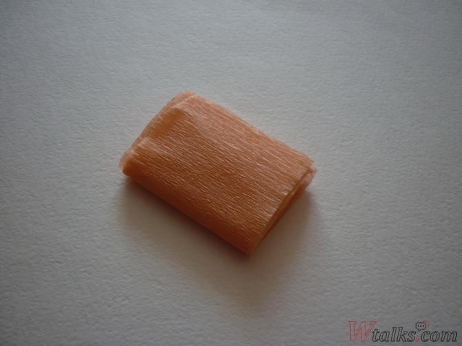 Букет розочек из гофрированной бумаги шаг 4