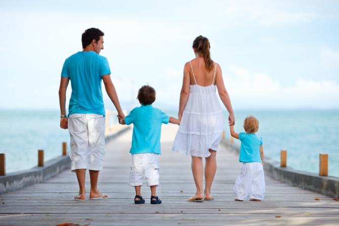 Happy family essay - Selfguidedlife