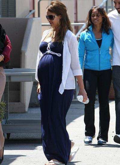 Стильная одежда для беременных