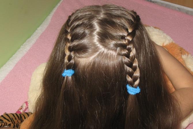 Прическа собрано на средние волосы