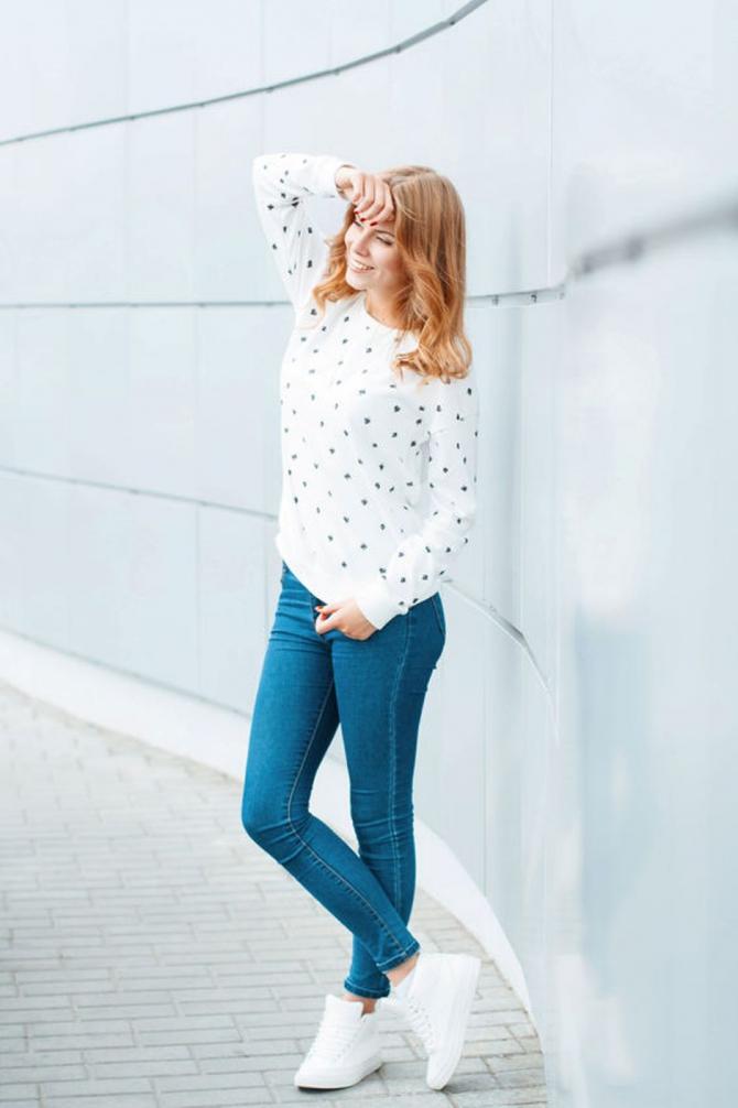 Вобтягивающих джинсах в очереди фото 208-784
