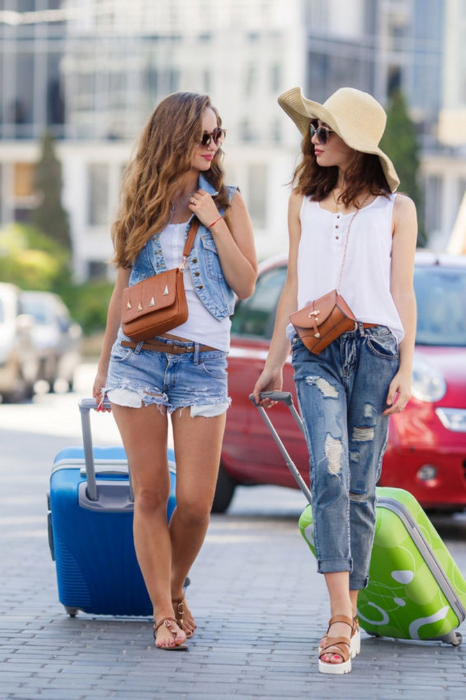 Вобтягивающих джинсах в очереди фото 208-674
