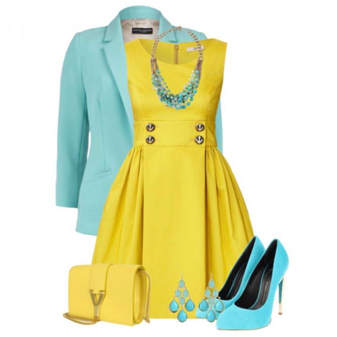 Желтое платье с голубыми цветами