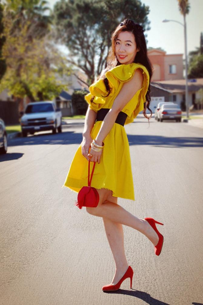 Сережки к желтому платью